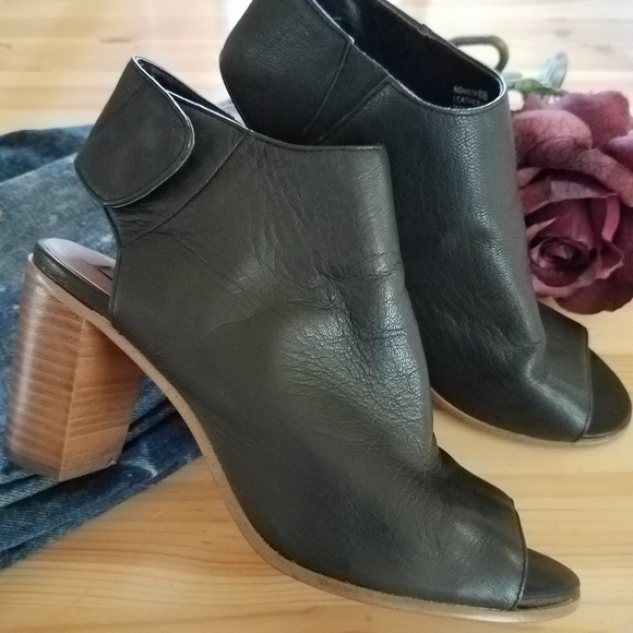 f6a121f6b91 STEVE MADDEN NONSTP Peep Toe Chunky Heel Mule Boot